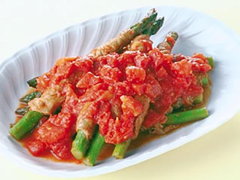 アスパラの肉巻きトマト煮