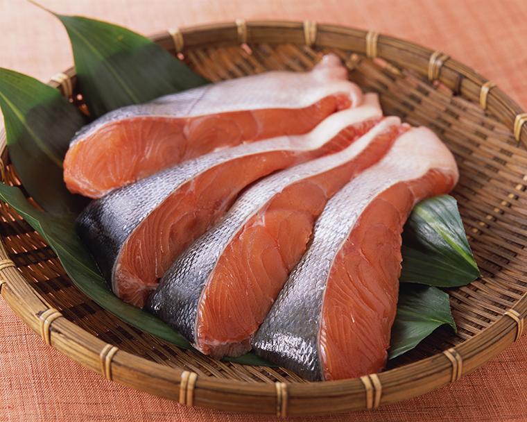 生秋鮭切身