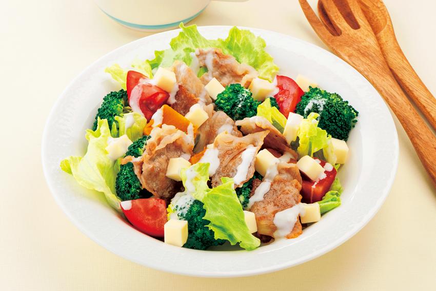 豚肉とたっぷり野菜のおかずサラダ