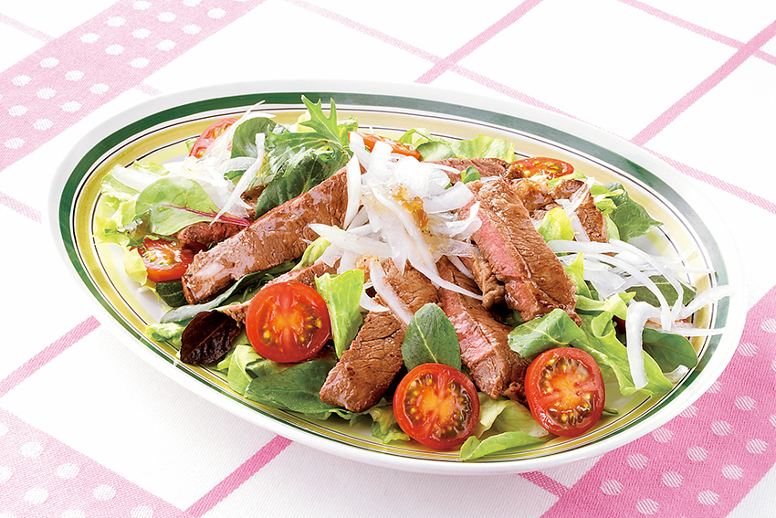 牛肉のステーキサラダ