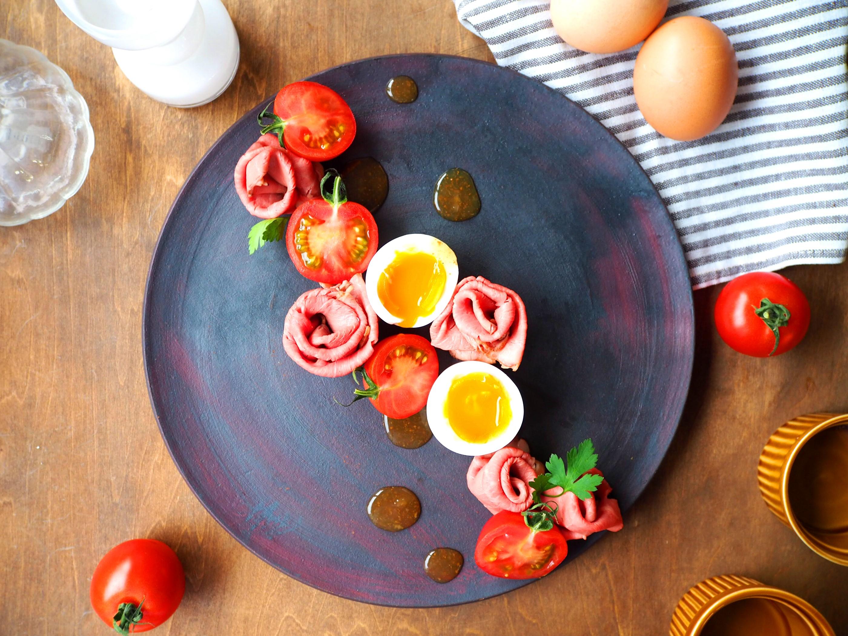 ローストビーフと半熟卵のサラダ