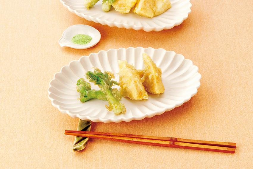 春野菜のとろろ昆布天ぷら 抹茶塩