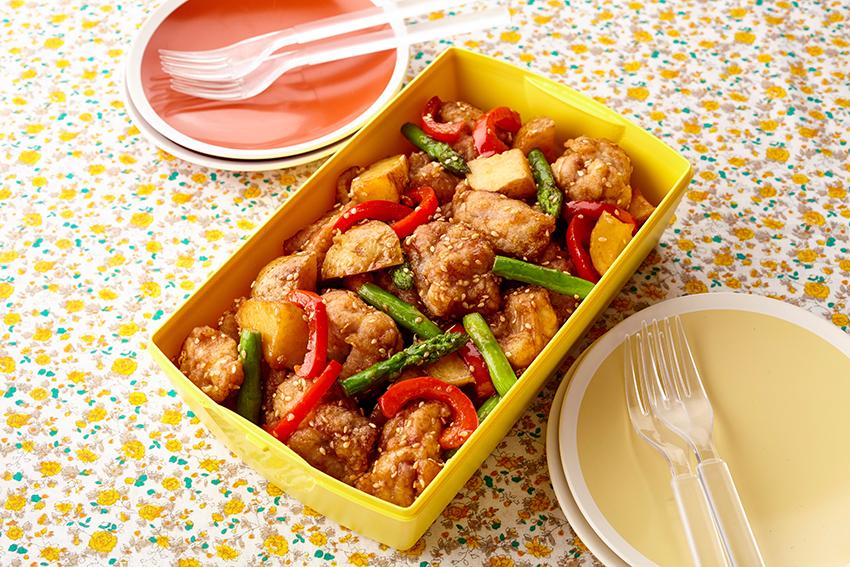 鶏もも肉と新じゃがの甘辛ごまソース