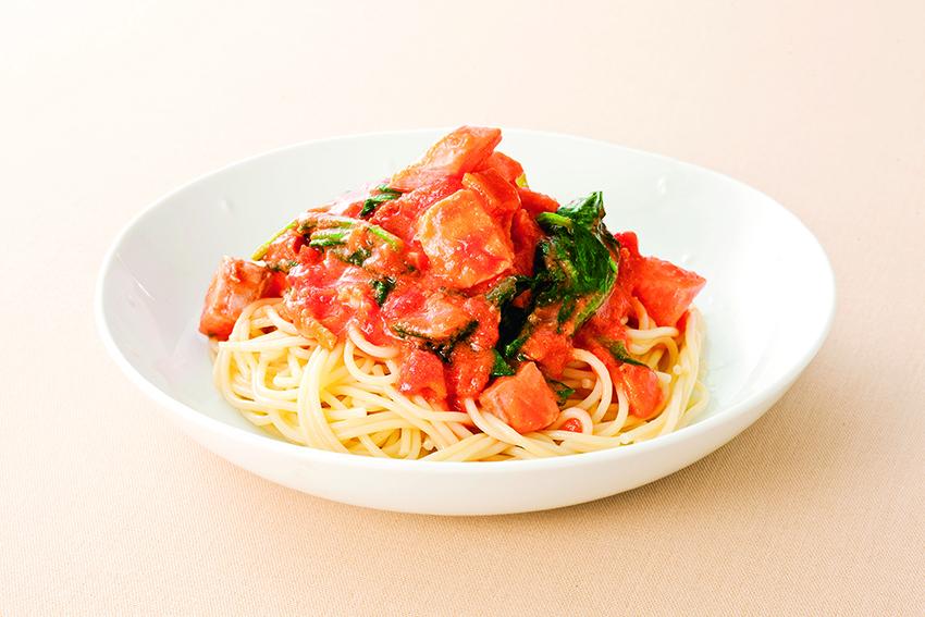 サーモンとほうれん草のトマトクリームスパゲッティ