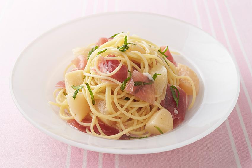 桃と生ハムの冷製スパゲッティ