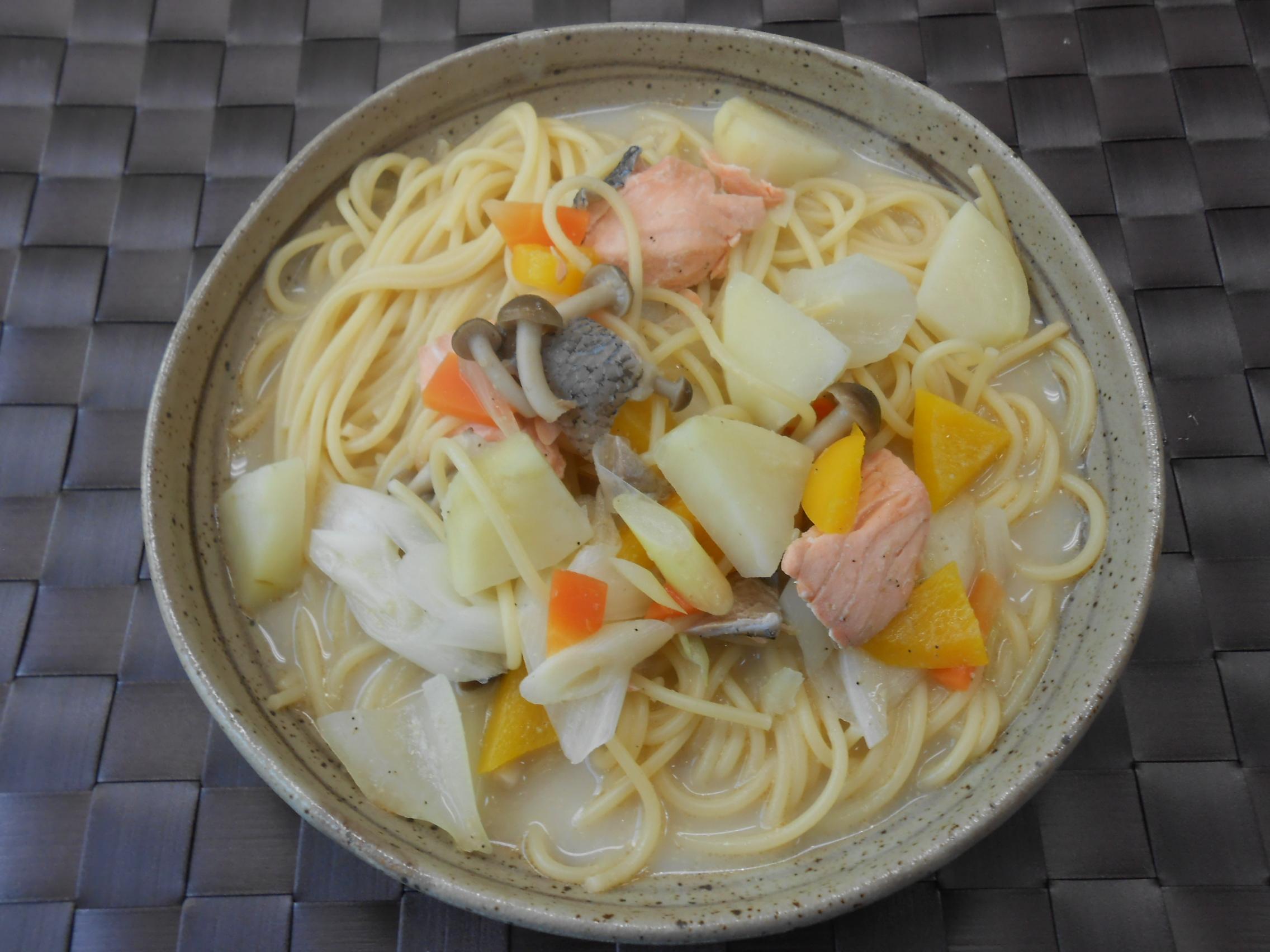 石狩鍋風ごま豆乳スープスパゲティ
